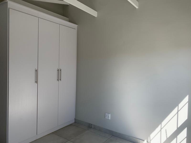 Property For Rent in White River, White River 8