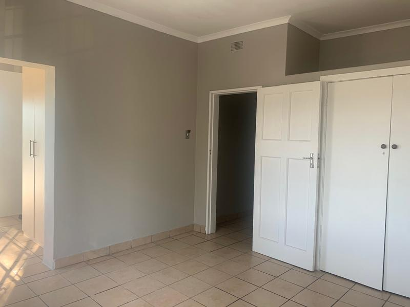 Property For Rent in White River, White River 6